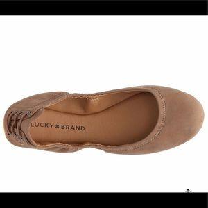Lucky brand tan flats